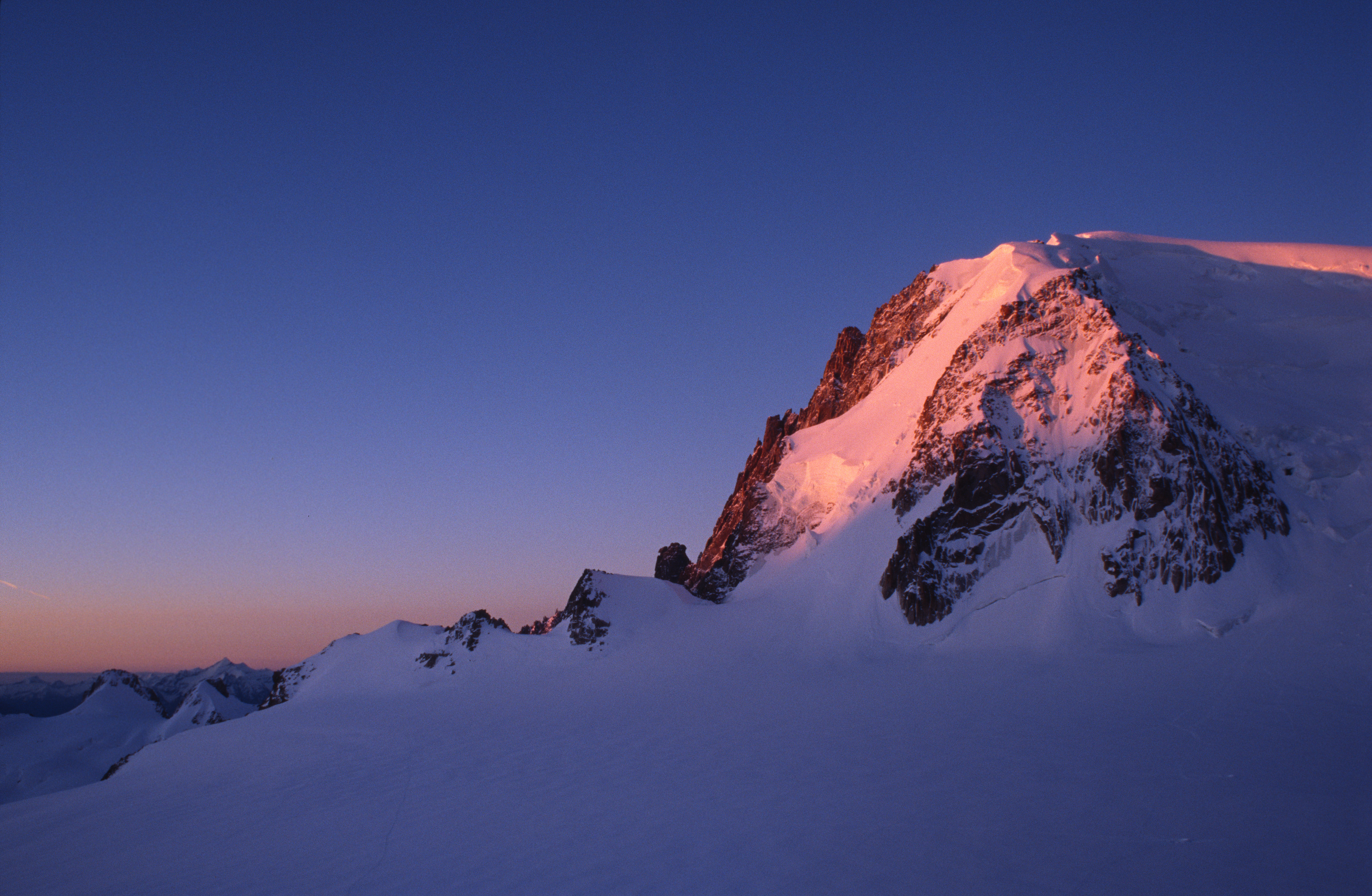 First Rays on Mont Blanc du Tacul