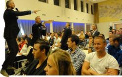2012-Kick off-Martin Haring-ondernemer HVA-fotocartoon AvH 1