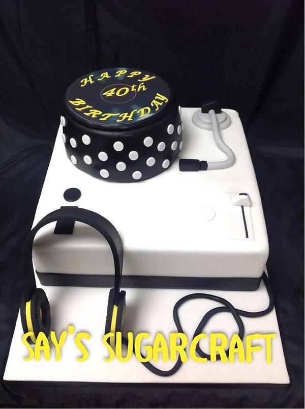 dj cake.jpg