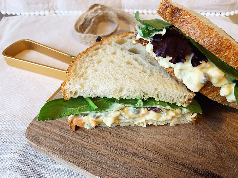 Tasty vegan chickpea tuna sandwich