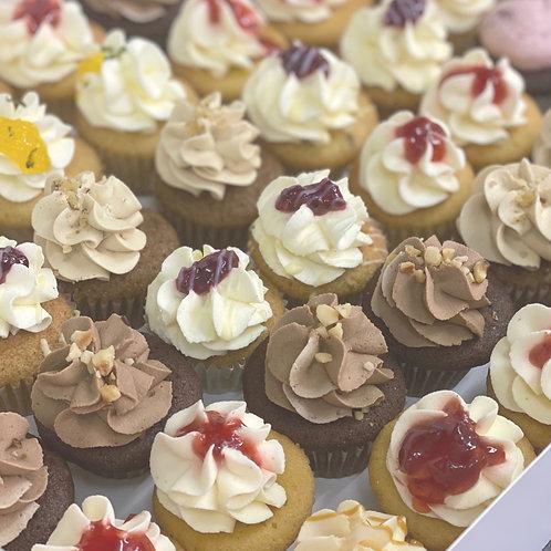 12 Vegan Mini Cupcakes