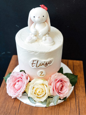 Ombre, Fresh Flower & Bunny Cake