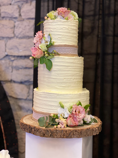 Textured Buttercream with Fresh Flowers