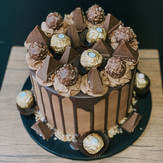 Chocolate Drip Cake _ Nutella & Ferrero