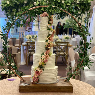 Textured Buttercream with Fresh Florals & Cake Hoop