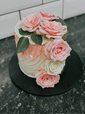 Fresh Flower, Textured Buttercream Cake