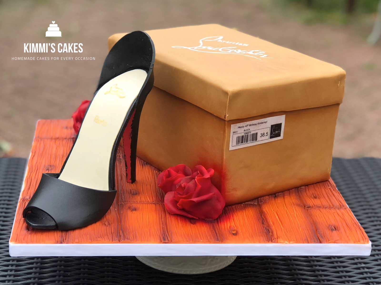 photos officielles 6eea4 4bbc2 Louboutin Shoe & Shoe Box Cake