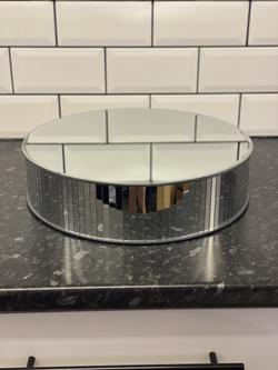 Round Mirrored Stand