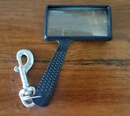 Magnifying glass, bolt snap and split ring
