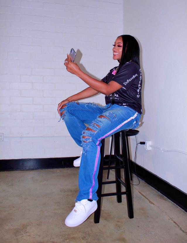 📸 @momodu_ Custom jeans @reduxreme