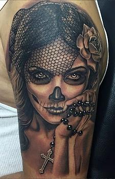 Catrina dia de los muertos hermosa tatuaje sombras Indio Reyes Tattoo Guadalajara Mexico