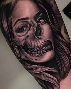 Calavera mujer sombras black and grey melissa reyes tattoo guadalajara jalisco mexico tatuajes