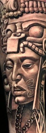 indio reyes tatuador guadalajara mexico aztec mayan tatuaje sombra