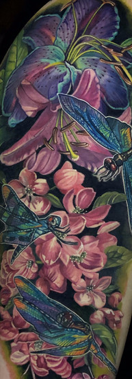 melissa reyes tatuadora guadalajara flores libelulas tatuaje