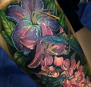 melissa reyes tattoo flores libelulas tatuaje feminina botanical realismo