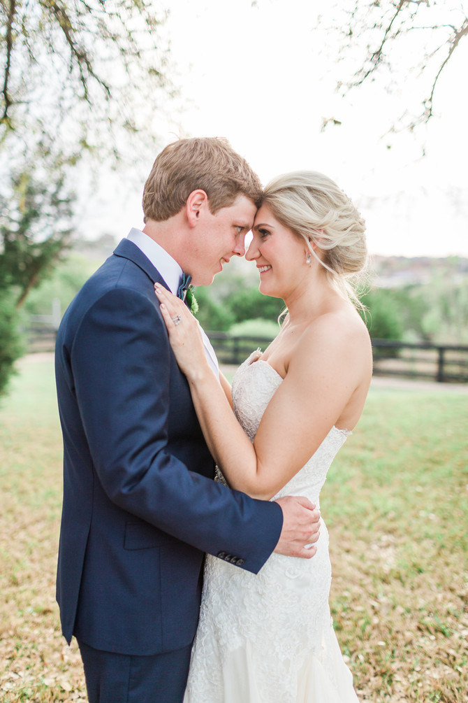 Lauren + Kevin: Shades of White & Green at Antebellum Oaks