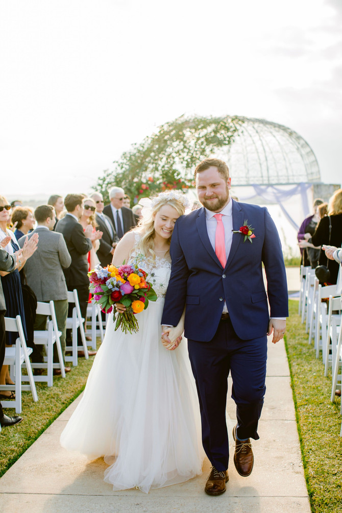 McKenzie + Nathan: A Tropical Wedding at Vintage Villas