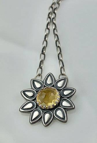 Flower Necklace custom in Citrine