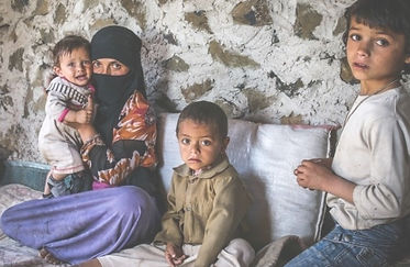 Yemeni_family_edited.jpg