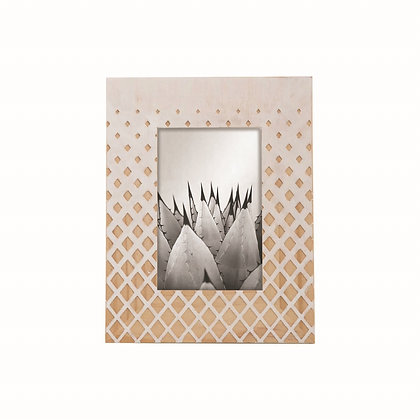 "Diamond Carved 4"" x 6"" Photo Frame"