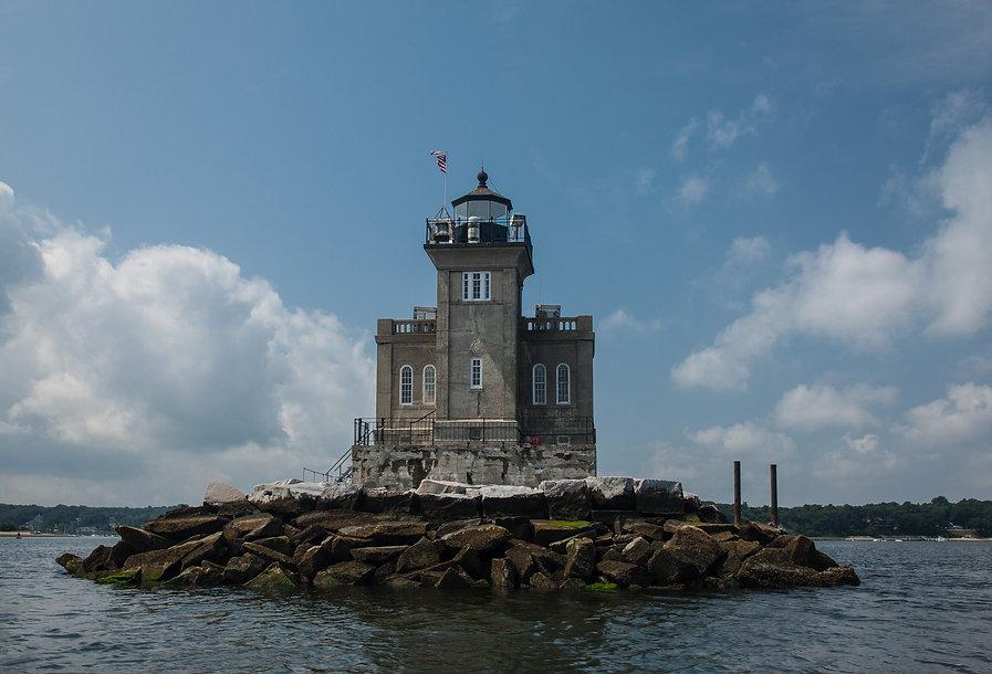 Huntington_Harbor_Light.jpg