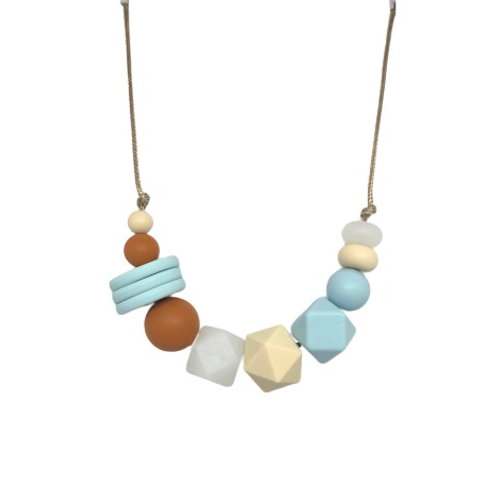 VOGUE Teething Necklace Whisper Blue