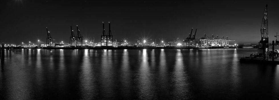CL-Hafenpanorama-Nacht.jpg