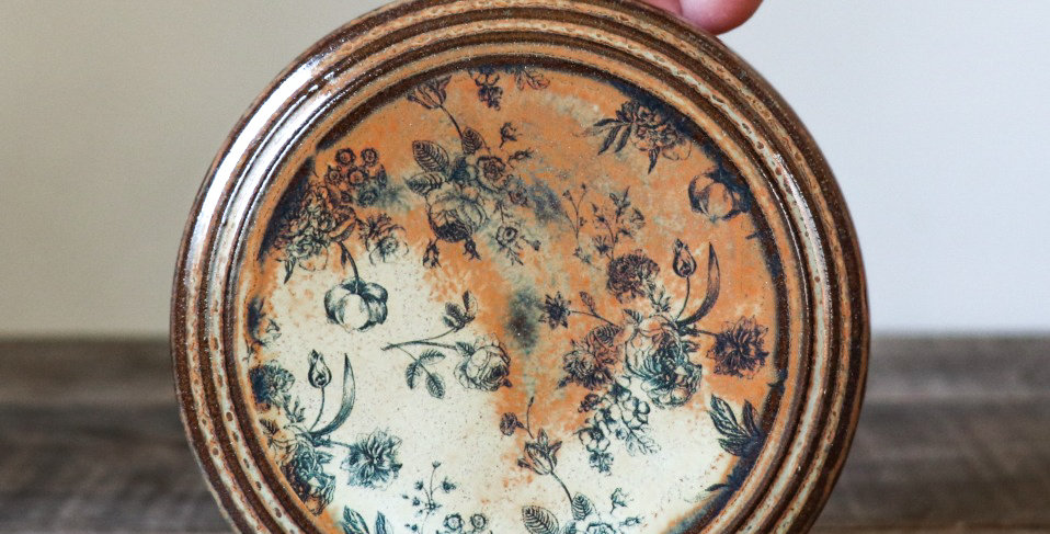 64: Round Wall Tile-Rustic Roses