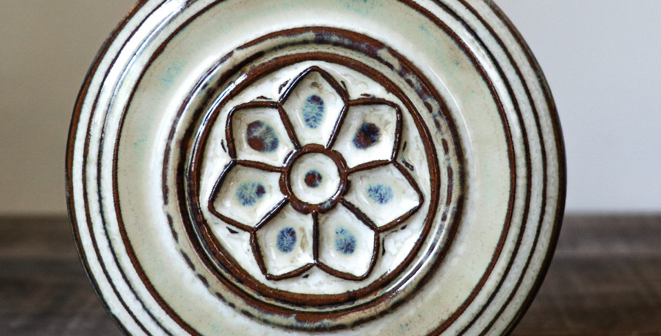 40: Round Wall Tile-Rose Window
