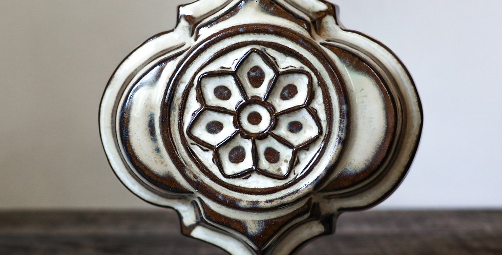 59: Quatrefoil Wall Vase-Rose Window