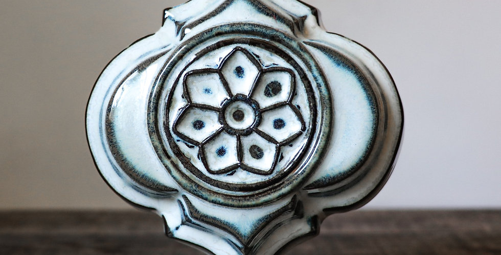 28: Quatrefoil Wall Vase-Rose Window