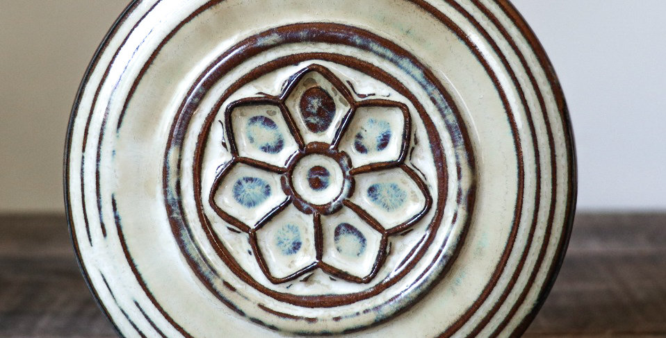 106: Round Wall Tile-Rose Window