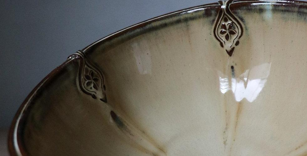 9: Sprigged Serving Bowl