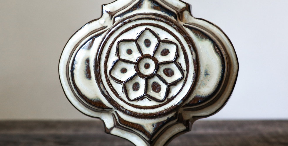 2: Quatrefoil Wall Vase-Rose Window