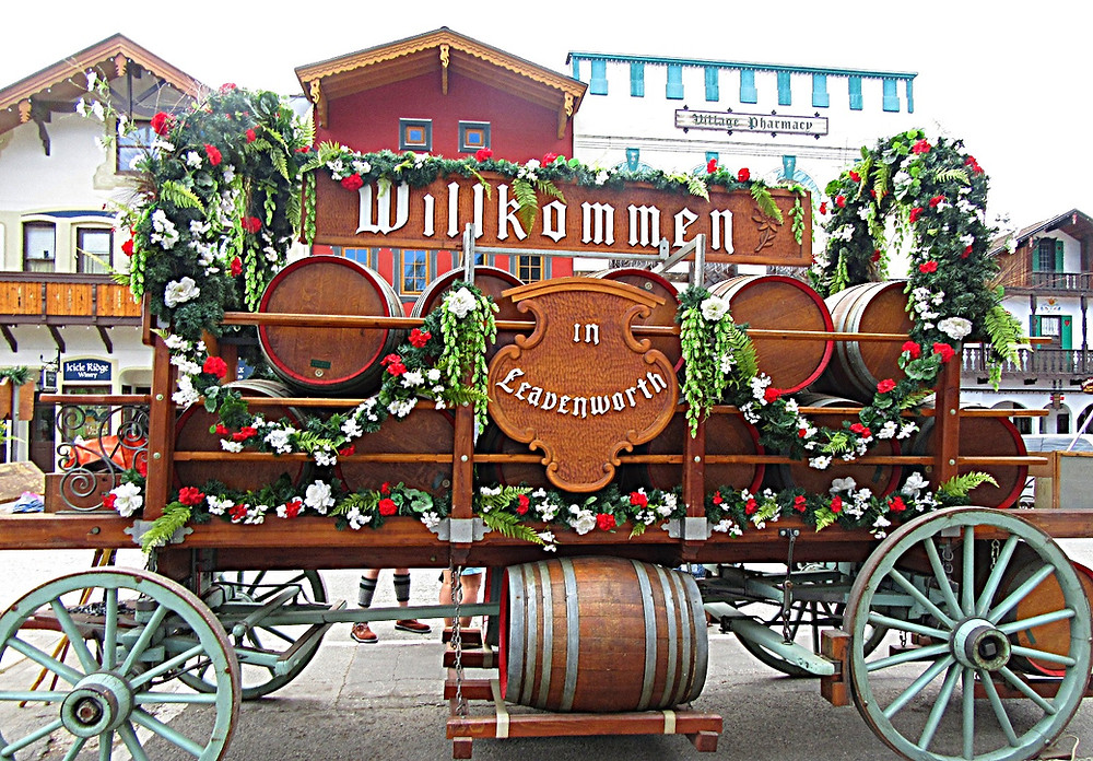 photo of horse drawn cart, decorated with flowers in Leavenworth, Washington