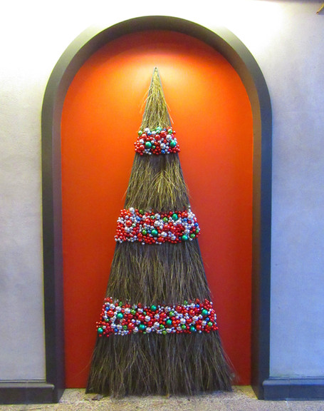 The Christmas Tree Post