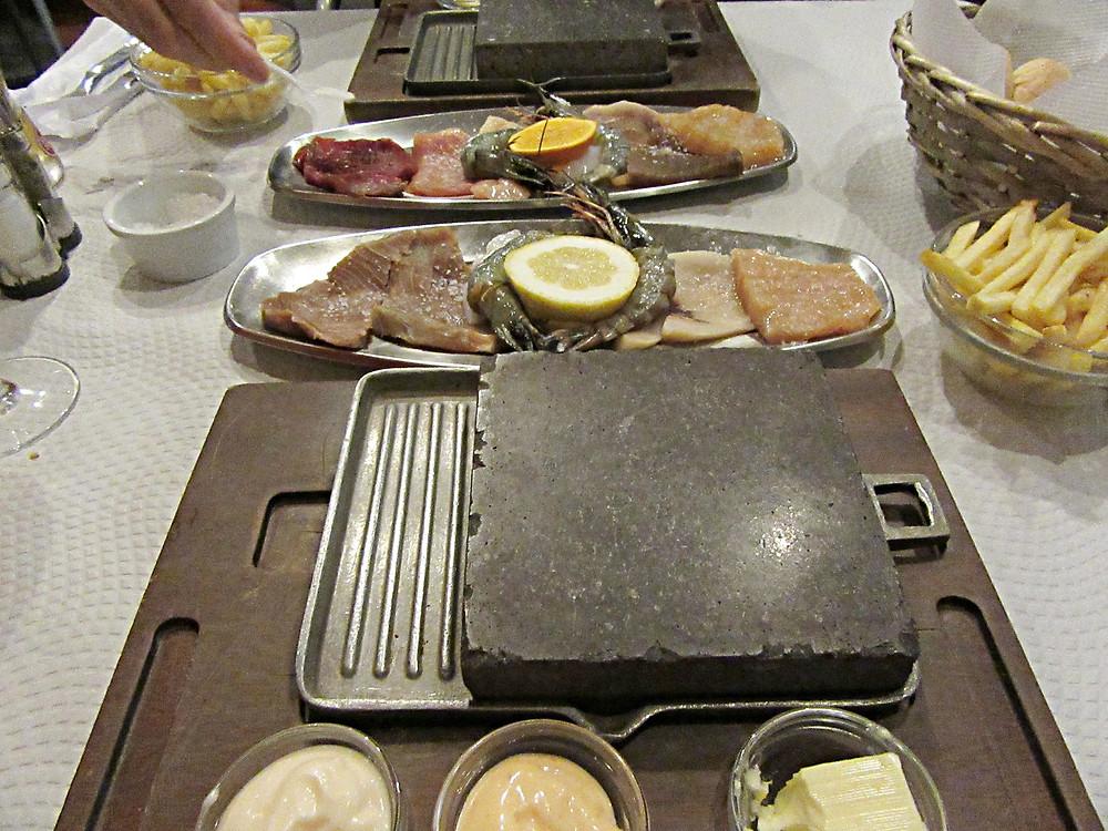 Traveleidoscope:  Eating at Canto do Doca