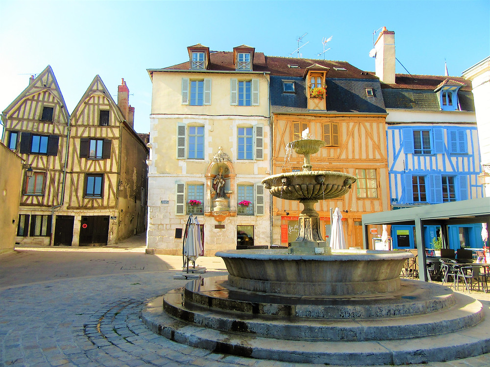 Traveleidoscope:  Auxerre, France