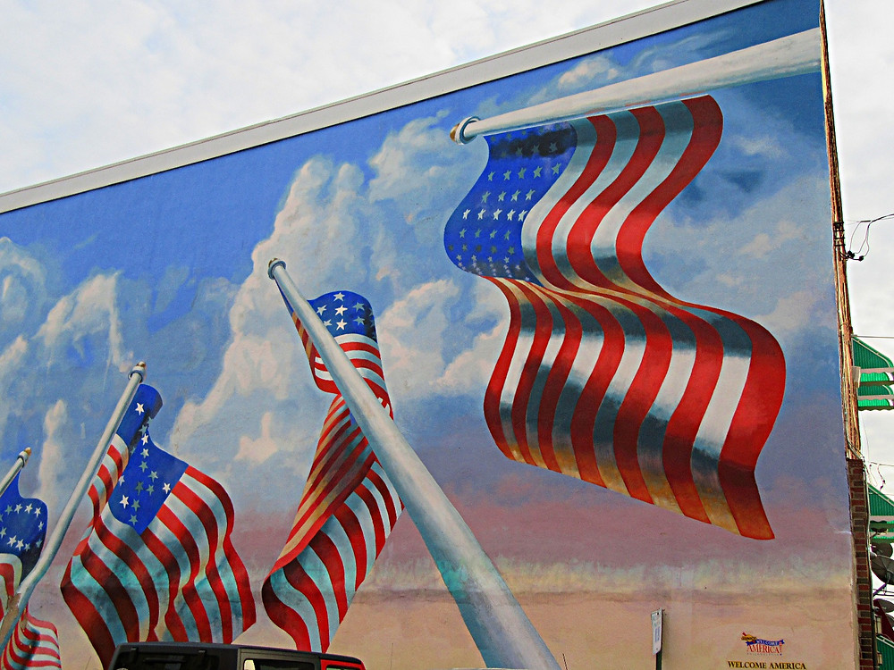 Traveleidoscope:  Philadelphia Flag Mural