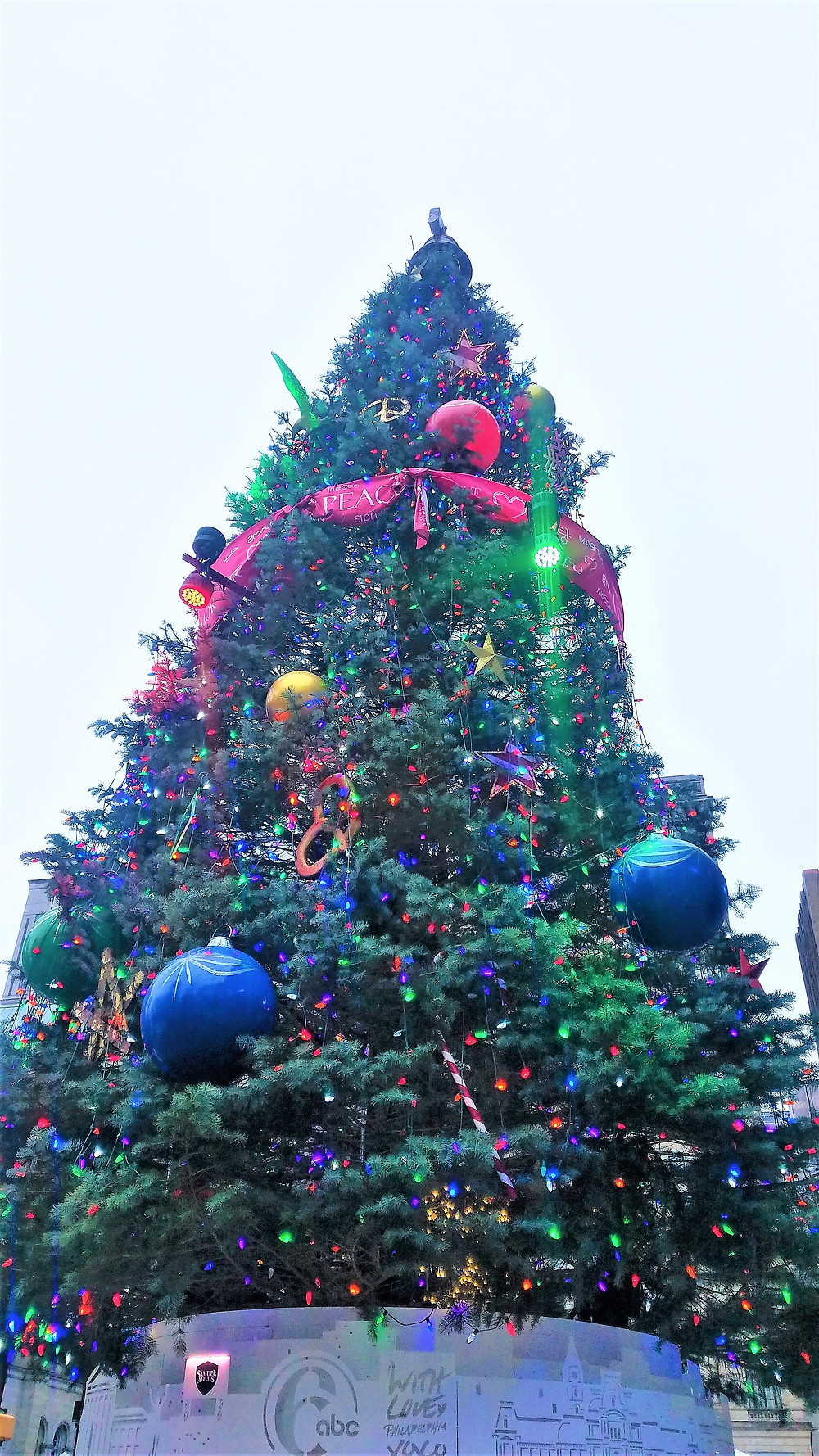 Traveleioscope:  Christmas Tree, City Hall, Philadelphia