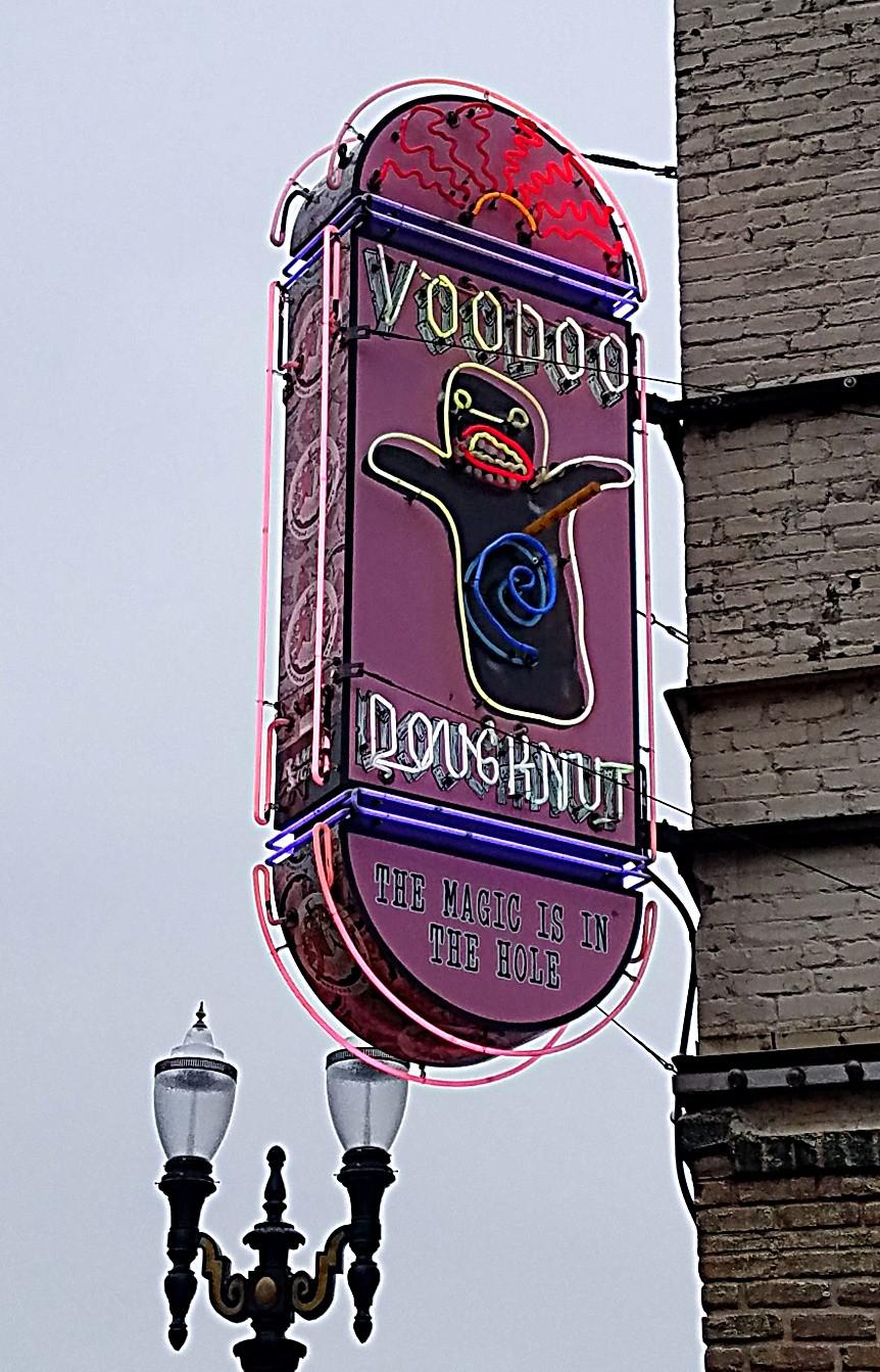 Traveleidoscope: Voodoo Doughnut