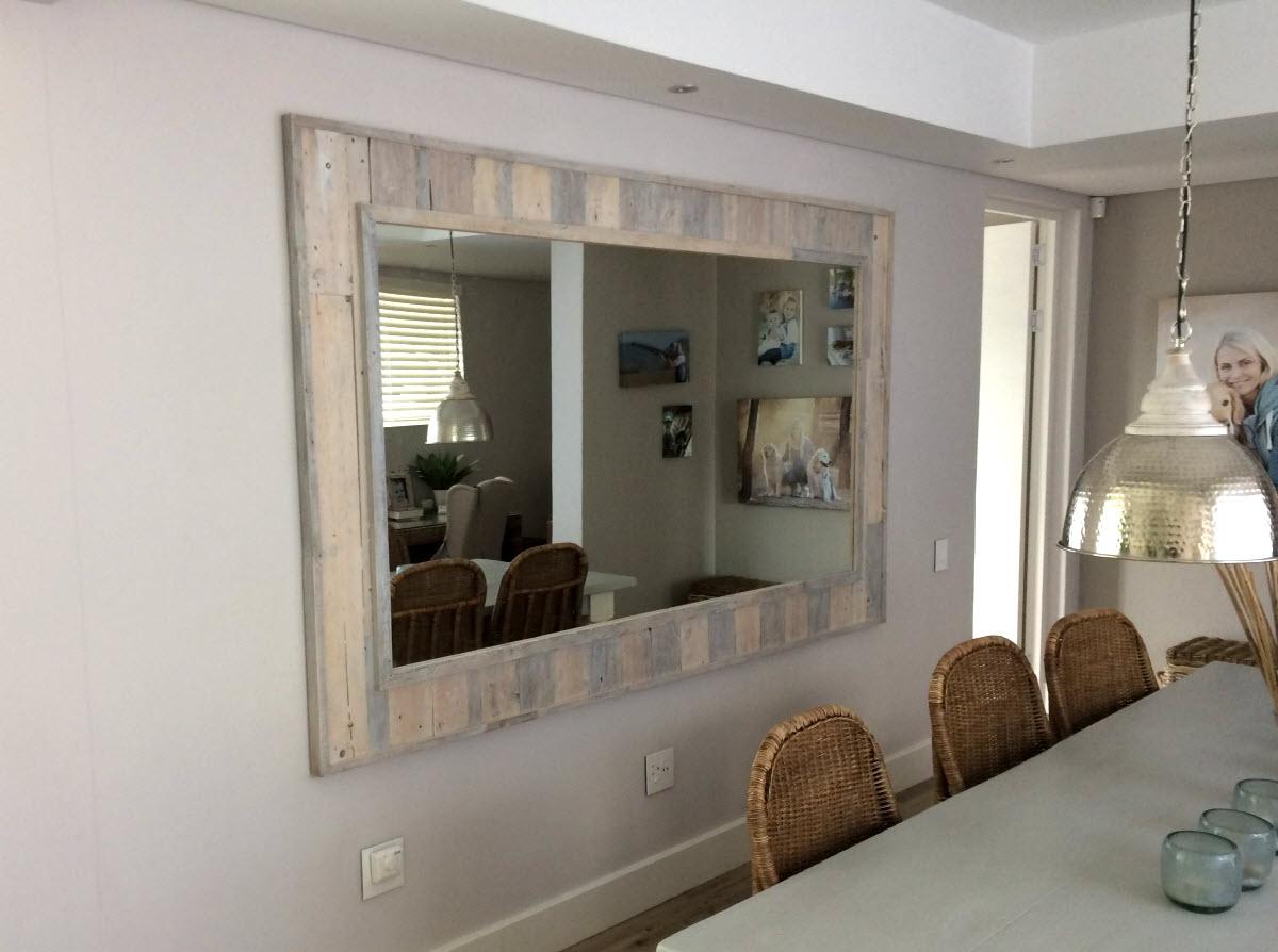 Pallet Framed Mirror 2 (1)
