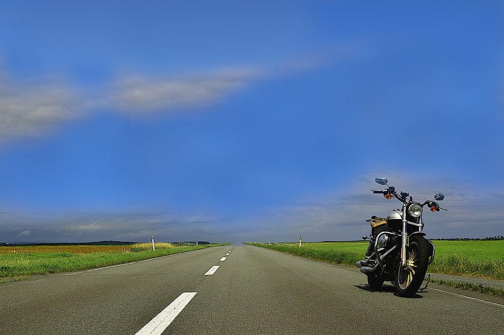 オートバイと青空