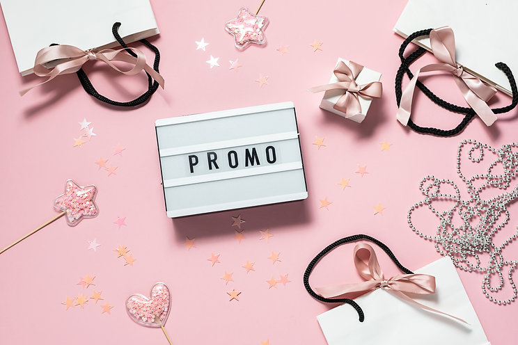 Pink promo sale banner with text Promo o