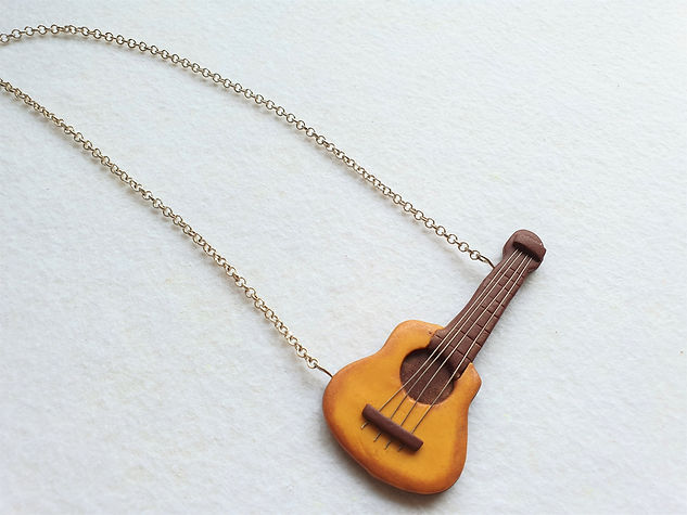 The Guitar Necklace