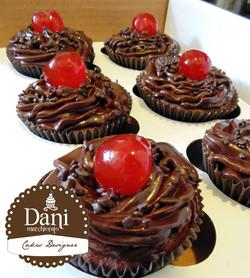 Cupcakes de Ganache com Cerejas