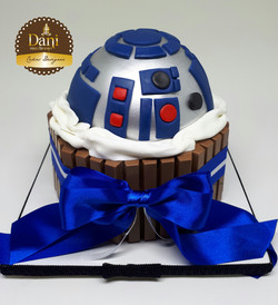 Bolo Kitkat R2