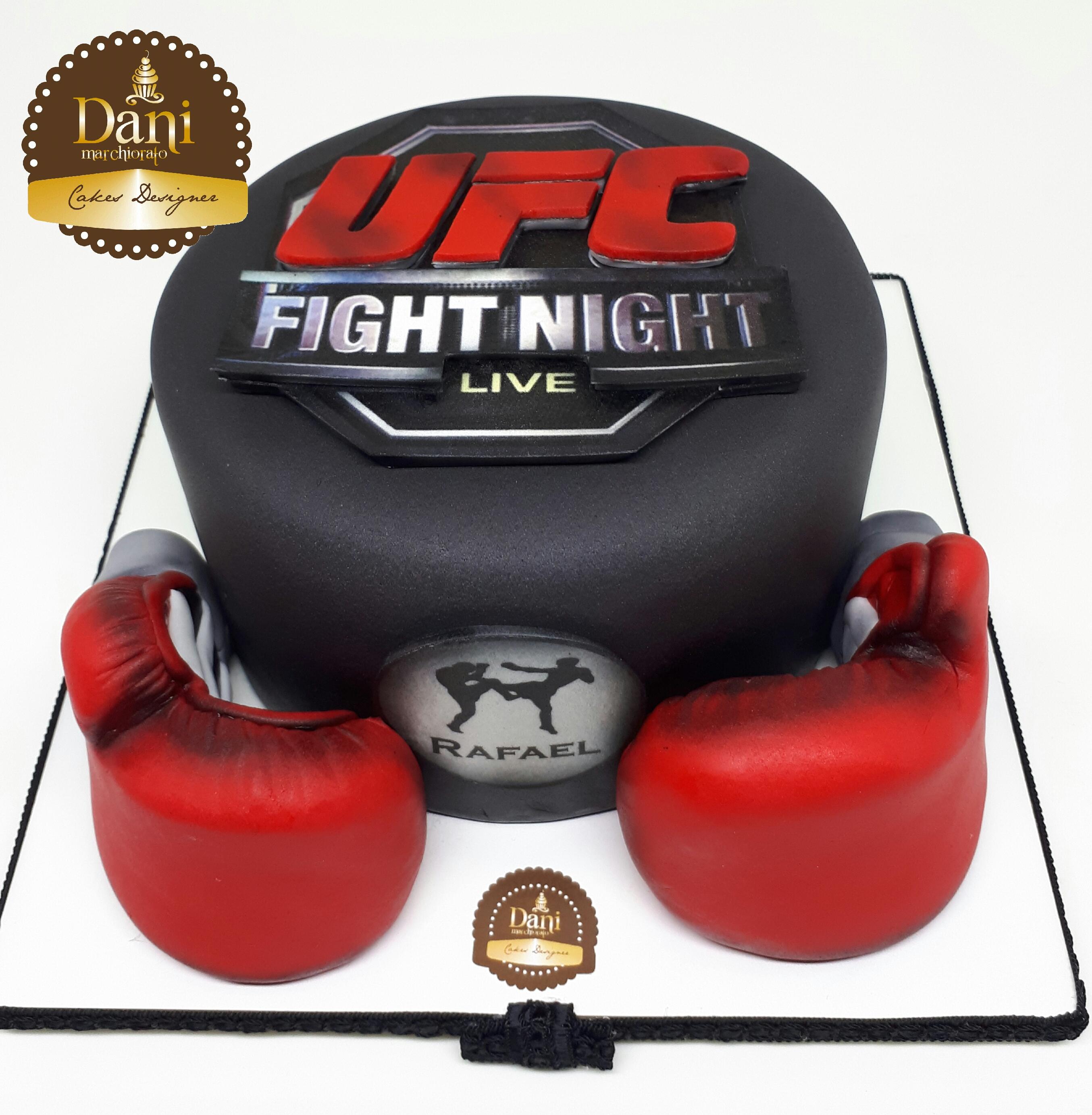Bolo UFC Luvas Vermelhas