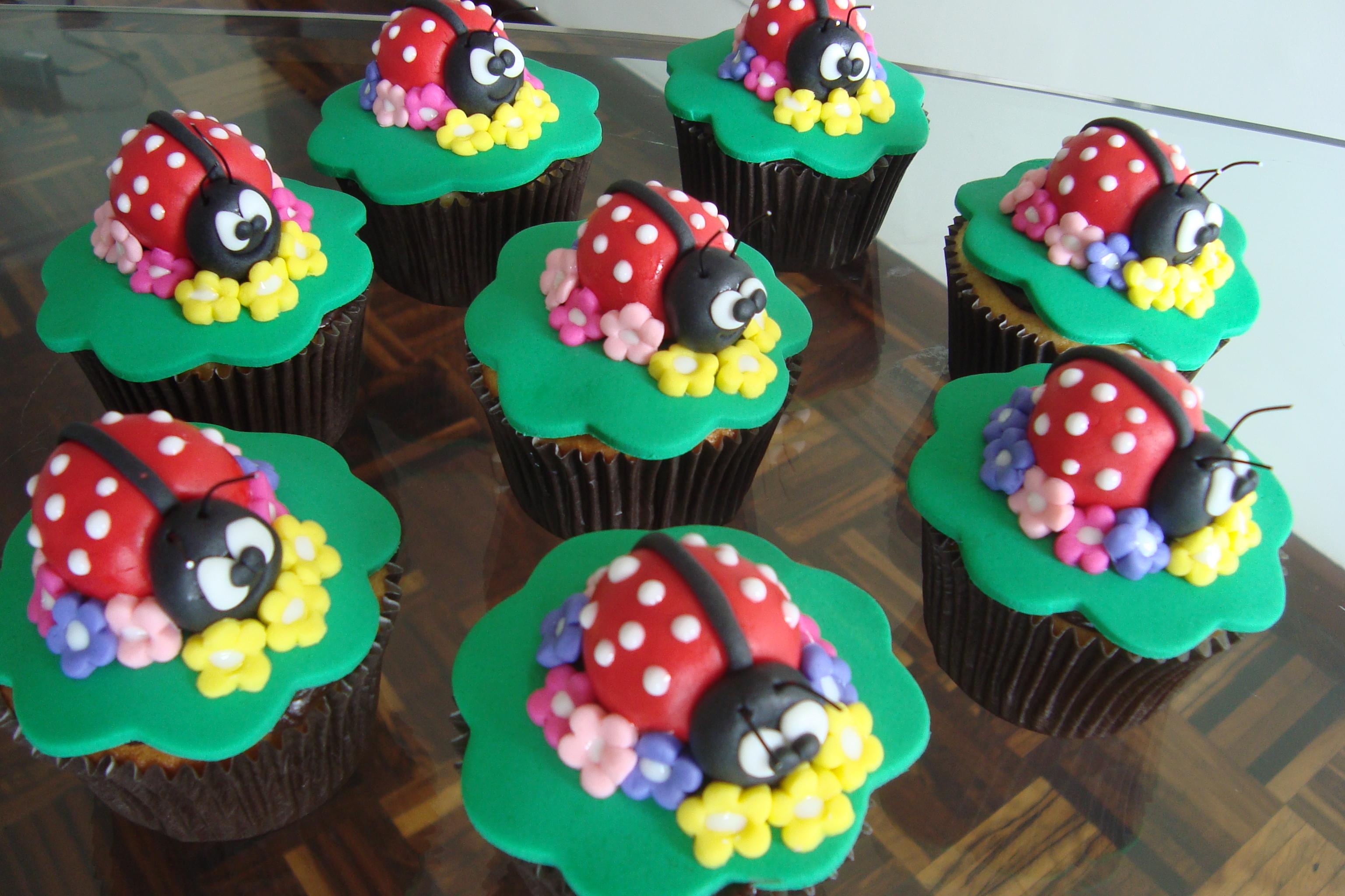 Cupcakes Joaninha