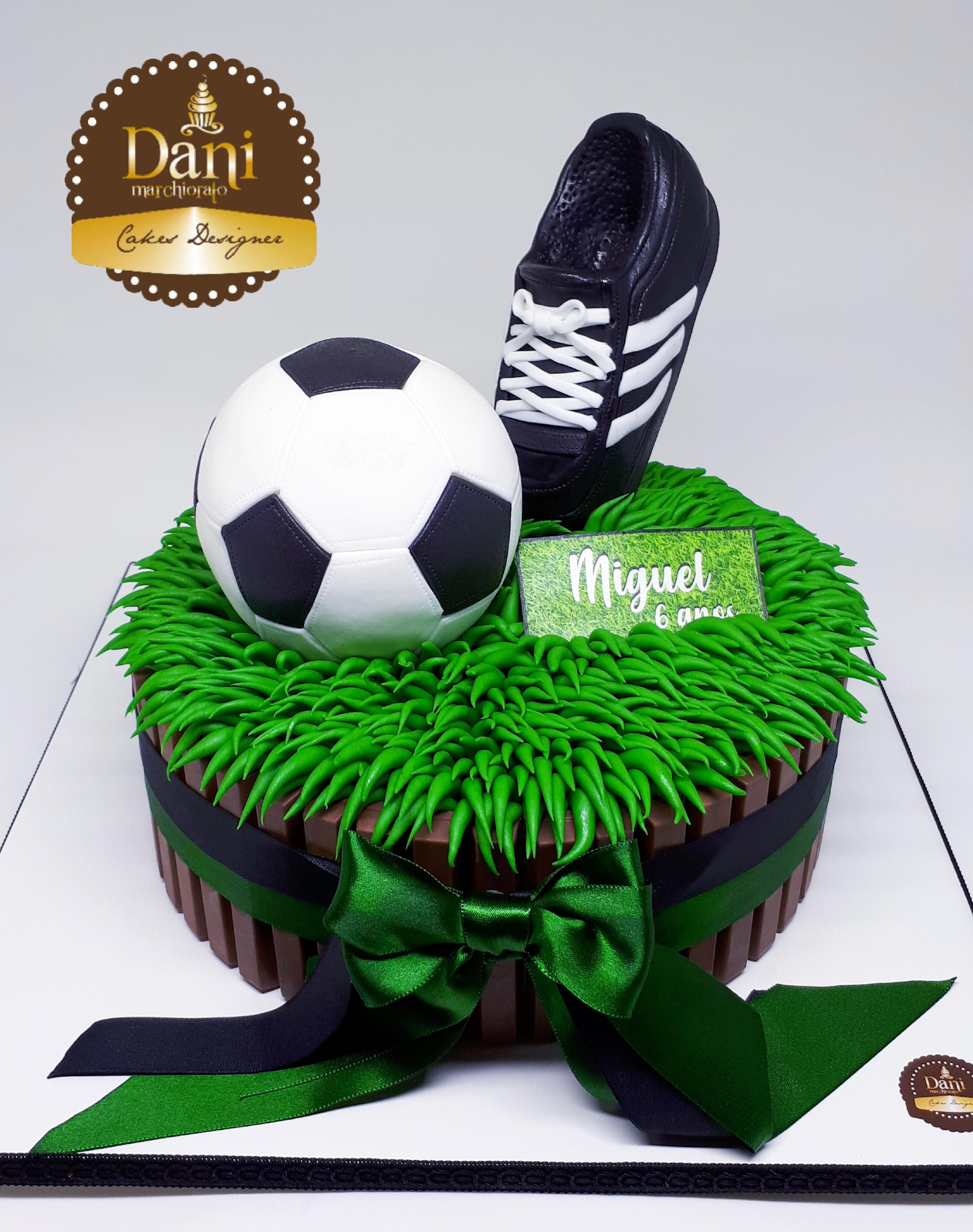 Bolo Kitkat Futebol